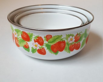 Strawberry Enamelware bowl set
