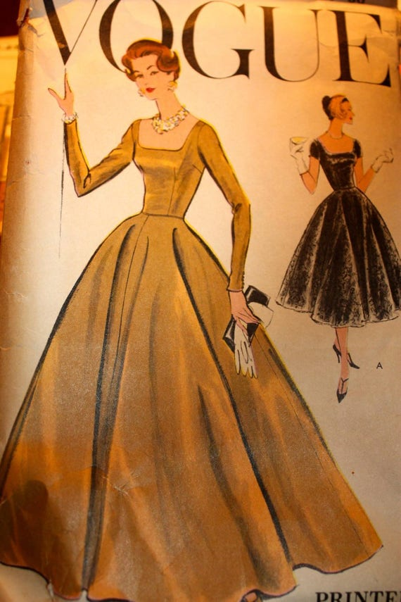 Striking Vintage Gown Pattern Vogue 9280 Size 14 Bust
