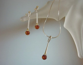Natural Baltic Amber Jewelry Set - Modern Sterling Silver Necklace and Earrings