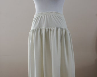 Ivory 60's/70's Vintage Drop Waist Wool Blend Gathered Casual Midi Skirt Made in Canada Size 7/8 BTK-049