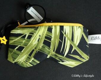 Palm leaves Glasses case. Handmade.