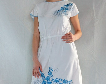Vintage Blue Embroidered Mexican Market Dress/ White Mexican Dress/ Embroidered Shift Peasant Dress / White Summer Dress
