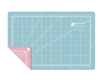 "5"" x 8"" Small Cute Cuts Cutting Mat by Lori Holt For Riley Blake Designs"