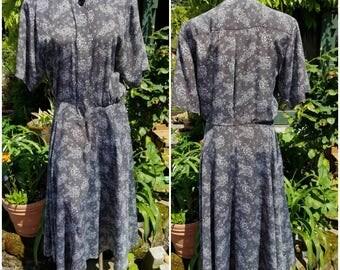 Vintage designer dress-Size 10-Office attire-luxury fashion-Stunning-Pockets-Hidden buttons-Formal-Summer fashion-Church-Elegant -Mature-LIZ