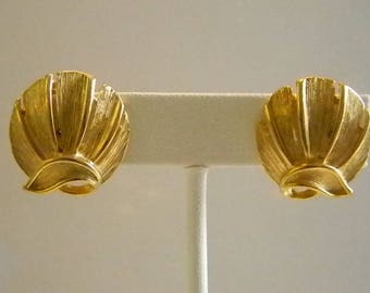 Pretty Brushed Gold Tone Round Clip Earrings