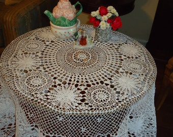 Vintage, Handmade White Crochet Lace, 45 inch,  Round Tablecloth, Weddings, Table Topper