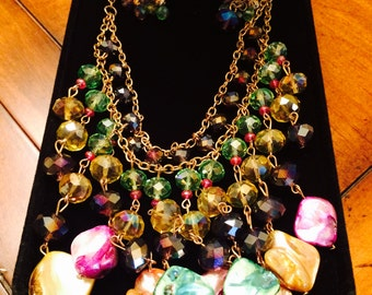 Brilliant Vintage Glass Bead and Shell Necklace and Earring Set