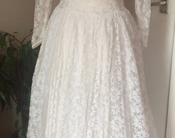 Beautiful vintage wedding dress