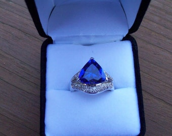 REDUCED! Beautiful Tanzanite and Diamond Ring in 14K White Gold