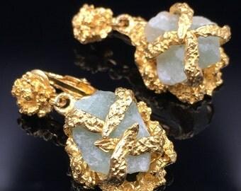 Raw Stone Earrings, Brutalist Earrings, Gold Organic Earrings, Green Fluorite Earrings, Vintage 1960s, Green Stone, Dangle, Clip On Earrings