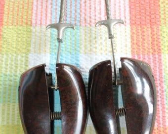 Vintage Bakelite Gents Shoe Trees