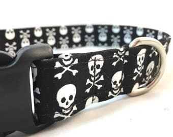 Skull Dog Collar/Pirate dog collar/Black and White Dog Collar/Boy Dog Collar/Girl Collar/Biker Dog Collar/Collar for small dogs