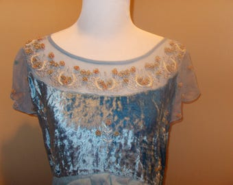 Vintage velvet dress.  Size xl.  Embroidered flowers on the neck. Worn only once.