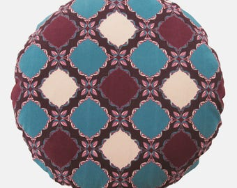 Round velvet cushion with Persian motif- from Turquoise collection