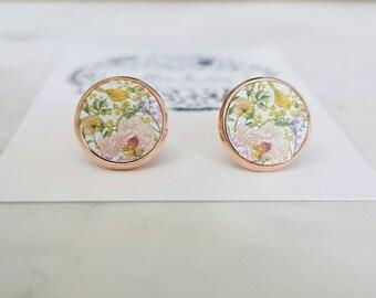 Wooden painted flower stud earrings