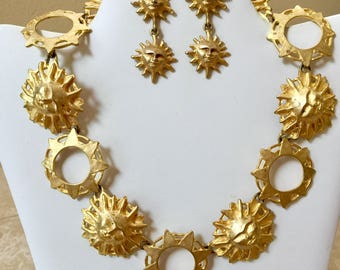 "CAROL DAUPLAISE Sun necklace and earrings modernist huge link 1980s Vintage gold tone 17"" high quality"