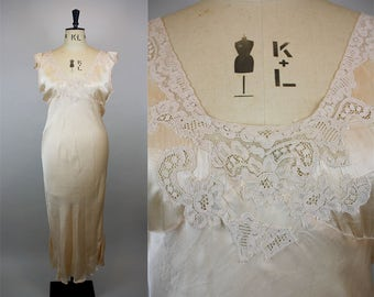 1930s Silk Nightgown / Silk and Lace Nightdress / Vintage Silk Slip / Bias Cut Nightgown / Lace Applique / Size Large / L XL