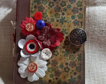 Junk Jurnal/vintage style with button closure