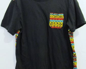 A Neat Vintage 90's,Short Sleeve Black & TRIBAL Print Top By GIANT.M/L
