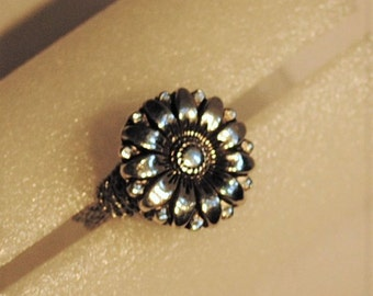 Antique Silver Flower Button Ring, size 7