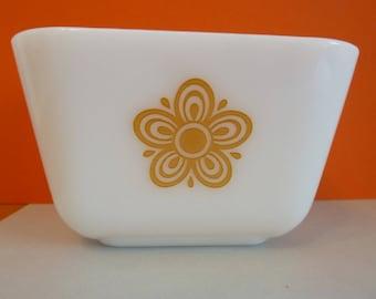 Pyrex Dish, 1 1/2 cup Capacity, Flower Design