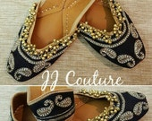 Black Punjabi Jutti with Ghungroo Black Flats Indian Accessories Bollywood Fashion Indian Fashion