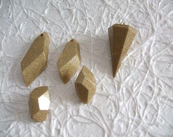 Conj. pendulo and resin crystals