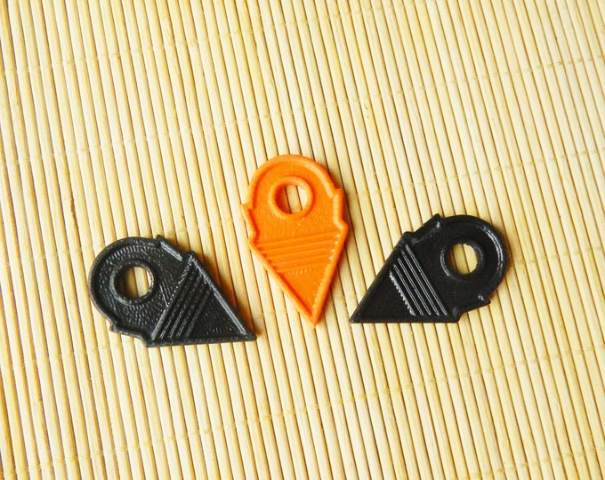 Trade bead / triangle pendant / small black orange talhakimt / tribal pendant / copy of vintage african tanfouk / african pendant SALE!