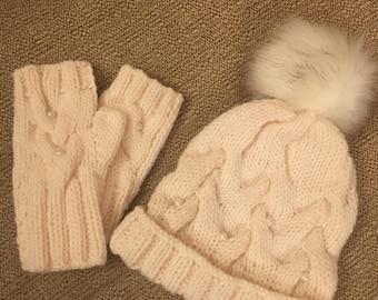Ladies Cream PomPom Hat and Glove Set