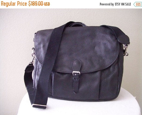 Football Days Sale MULHOLLAND Black Pebbled Leather Classic Courrier's Messenger Bag Briefcase Attache - EUC