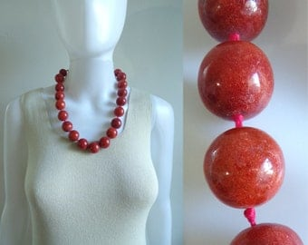 chunky wood bead necklace, 1970s brick red beaded statement necklace, 70s vintage necklace, costume jewelry, jewellery