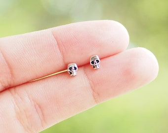 Tiny Skull Stud Post Earrings, 925 Sterling Silver, Skull Jewelry, cartilage earring, Gothic - SB118