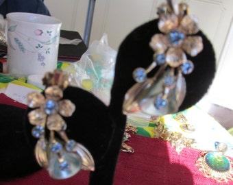 SALE Sale Lovely Gold Flower and Rhineston Earrings