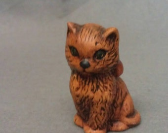 Duncan Ceramics 1975 Tan and Brown Cat Figurine