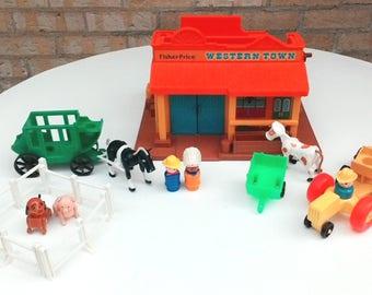 Vintage Fisher Price 1982 Little Ppeople Western Town with many extra SET #934