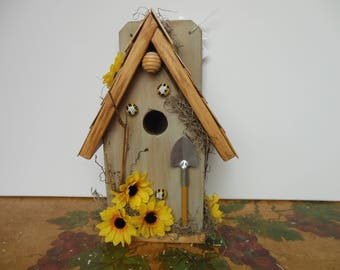 Birdhouse, Bumble Bee Birdhouse, Functional Birdhouse, Decorative Birdhouse
