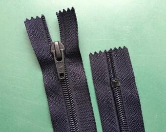 15 Inch | dark blue | zipper | closed bottom | Nylon | No. 5
