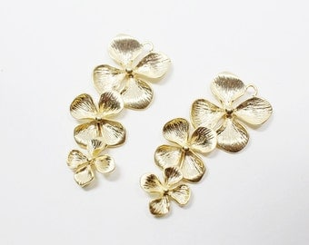 P0496/anti-Tarnished Matte Gold Plating Over Brass/4 Petals Linked Pendant/15x35mm/2pcs