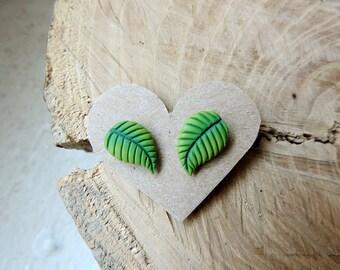 Green leaf earrings, leaf studs, jade earrings, nature jewelry, green leaves, leaf jewellery, botanical Inspired jewelry