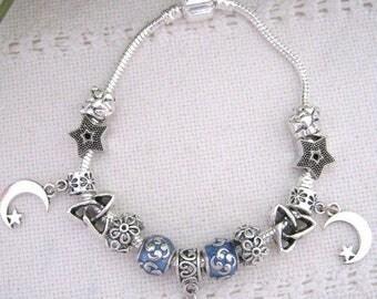 Silver plated Moon and Stars charm bracelet,lampwork Large bead European style bracelet,Handmade jewelry,pandora style silver bracelet, B61