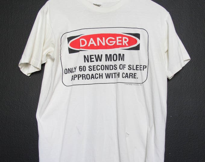 Danger New Mom 1990s Vintage Tshirt