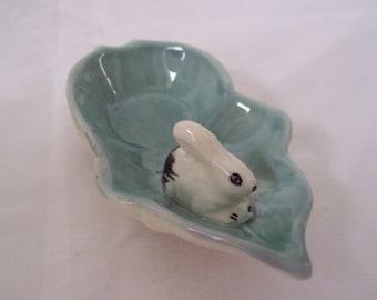 Weetman Bunny Rabbit Pin Dish Rabbit on a Leaf Vintage Weetman Giftware c.1960