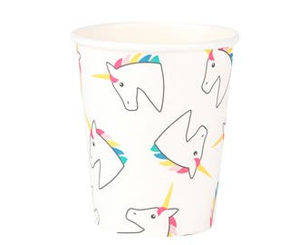 Unicorn paper cups. Set of 8. Unicorn print party cups. Unicorns with rainbow manes on paper cups.  Unicorn party tableware.  Unicorn cup.