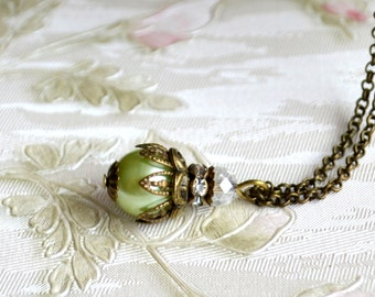 Light green necklace Green Bridesmaid jewelry Bridesmaid gift Spring wedding Bridesmaid gift set Vintage necklace Green bridesmaid set