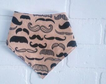 Bavoir bandana Moustache Bavette bebe , cadeau de naissance , garcon /  Moustache Baby Bandana bib , boy bib, shower gift