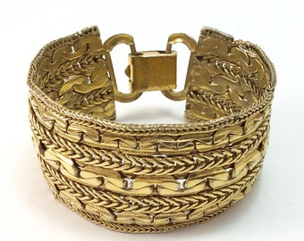 Retro Goldtone Chain Bracelet