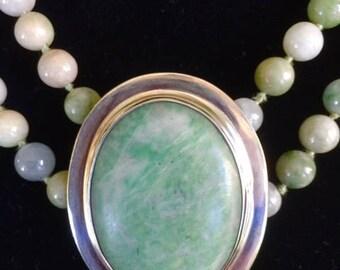 China Jade Pin and Beads