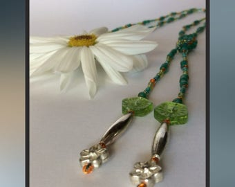 Green Flower Knotted Necklace