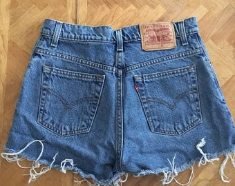 High waisted levis cuttoff shorts