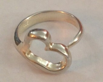 beautiful sterling silver heart ring size 6.25